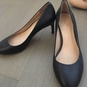 Black Banana Republic Heel